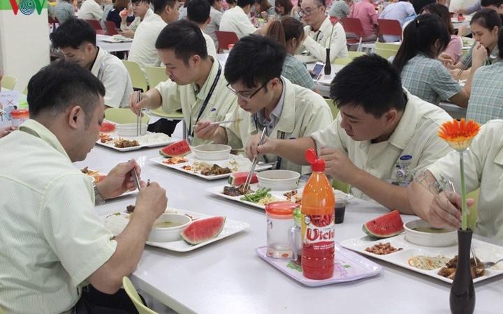 Chính sách thuế thu nhập cá nhân đối với tiền ăn trưa, ăn ca?