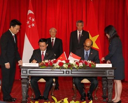 Phát triển quan hệ hợp tác tài chính Việt Nam – Singapore