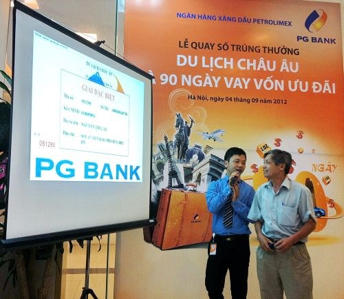 """PG Bank trao thưởng chương trình """"Du lịch châu Âu"""" và """"90 ngày vay vốn ưu đãi"""""""