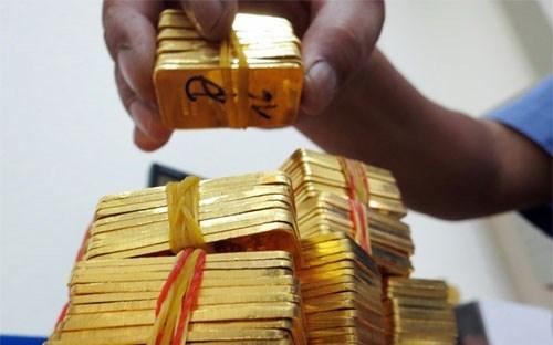 Không được giữ trạng thái vàng cuối ngày vượt quá 2% so với vốn tự có