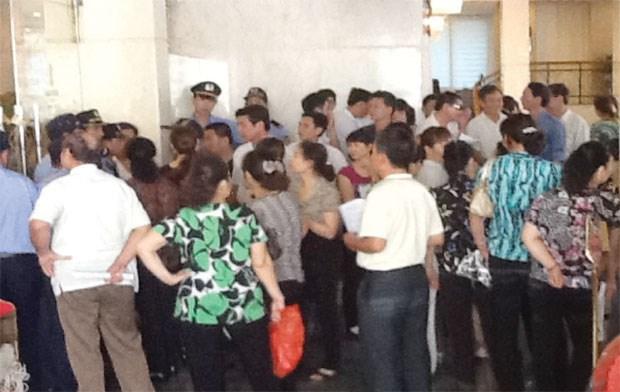 Bảo vệ cổ đông nhỏ: Nhìn từ một đại hội cổ đông trái luật