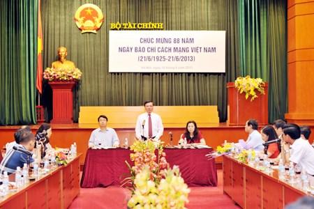 Bộ trưởng Đinh Tiến Dũng chúc mừng báo chí ngành Tài chính nhân ngày Báo chí Cách mạng Việt Nam