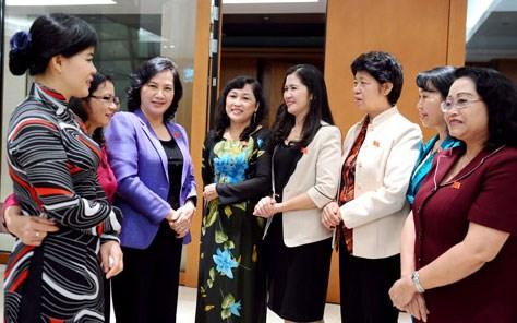 Làm gì để hiện thực hóa mục tiêu 30% nữ đại biểu Quốc hội khóa XIV?