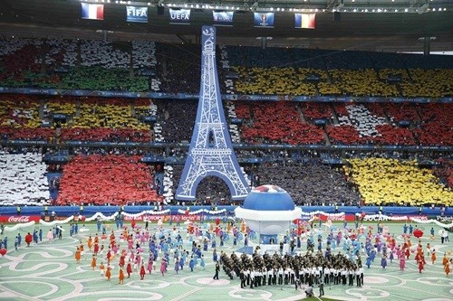 UEFA có thể kiếm hơn 2 tỷ USD từ Euro 2016