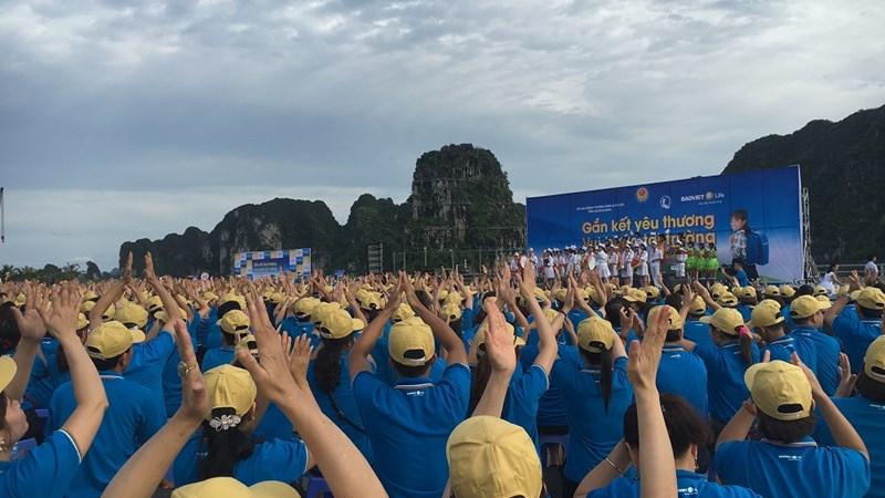 3600 cán bộ Bảo Việt đi bộ vì trẻ em