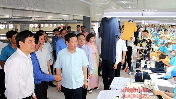 Phó Thủ tướng Vương Đình Huệ dự khánh thành nhiều công trình quan trọng tại Nghệ An