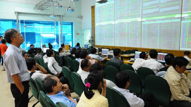 Tháng 8, thanh khoản thị trường cổ phiếu trên HNX có chiều hướng giảm