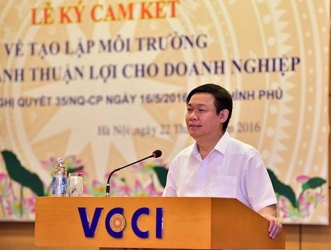 Phó Thủ tướng Vương Đình Huệ dự lễ ký cam kết thực hiện Nghị quyết 35