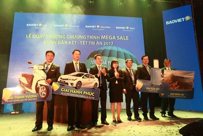 Bảo Việt tặng Ô tô tri ân khách hàng