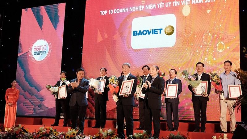 Bảo Việt được vinh danh  trong Top 10 Doanh nghiệp niêm yết uy tín năm 2017