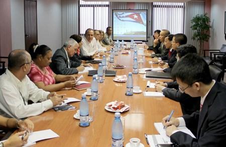 Bộ Tài chính Việt Nam và Cuba ký kết kế hoạch hợp tác năm 2013