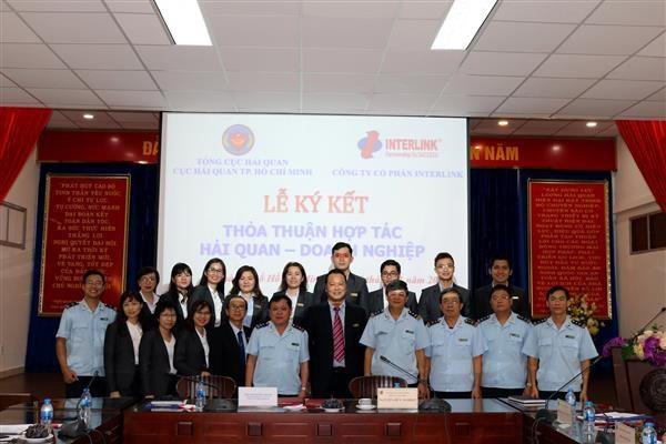 Hải quan TP. Hồ Chí Minh ký thỏa thuận hợp tác với đại lý thủ tục hải quan