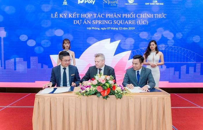 Hàng trăm khách hàng tham dự mở bán Spring Square tại Việt Nam