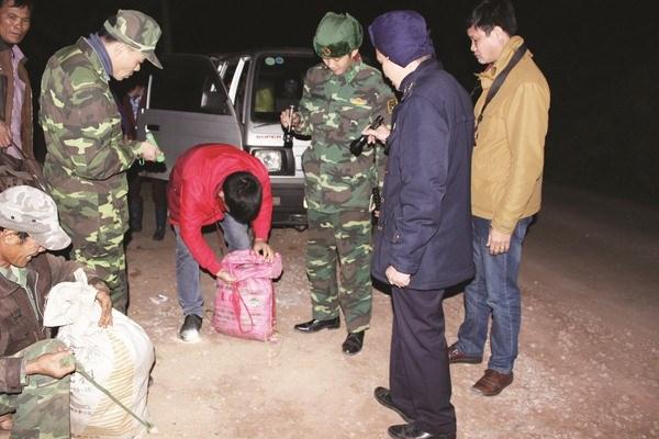Hải quan Lạng Sơn: Dàn quân ngăn hàng lậu tháng