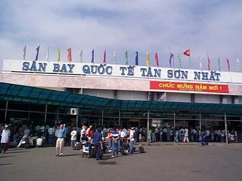 Hải quan sân bay Tân Sơn Nhất: Không để ùn tắc khách trong những ngày cao điểm