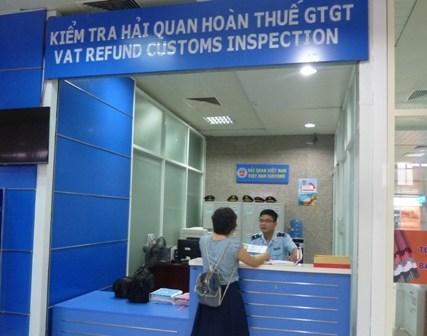 Hải quan Cam Ranh: Làm thủ tục cho số chuyến bay tăng hơn 70%