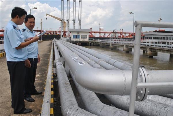 Quản chặt xuất xứ hàng hóa, đặc biệt là xăng dầu