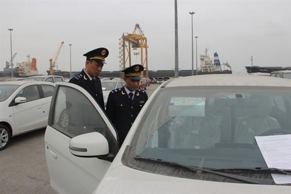 Tăng cường kiểm tra khai trị giá đối với ô tô nhập khẩu