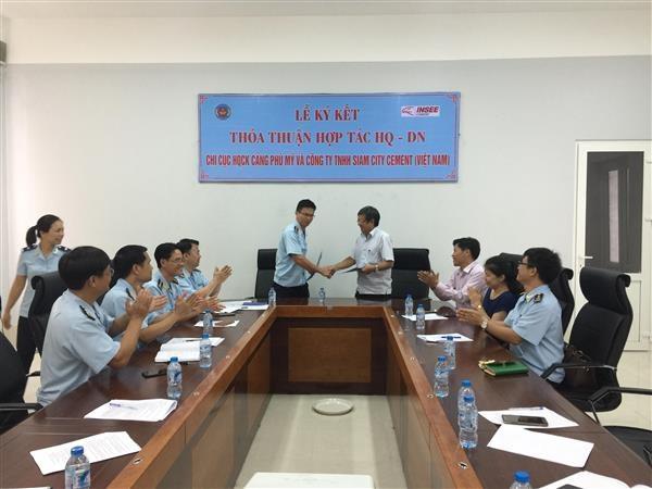 Hải quan Phú Mỹ ký kết thỏa thuận hợp tác với doanh nghiệp