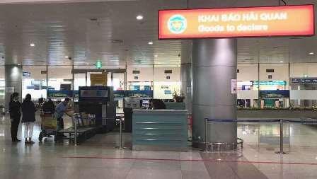 Sân bay Tân Sơn Nhất: Chỉ 5% khách nhập cảnh phải kiểm tra hành lý
