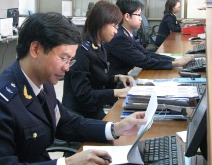 Tăng cường nhân lực cho 11 cục Hải quan địa phương