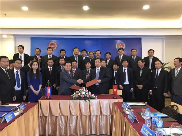 Hải quan Việt Nam và Hải quan Campuchia tăng cường hợp tác
