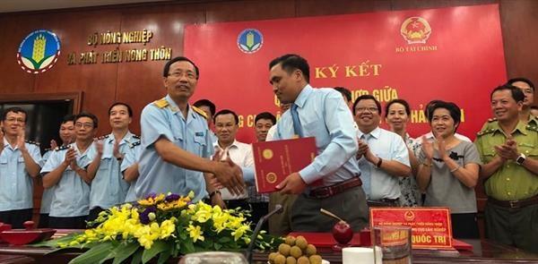Tổng cục Hải quan và Tổng cục Lâm nghiệp ký kết quy chế phối hợp