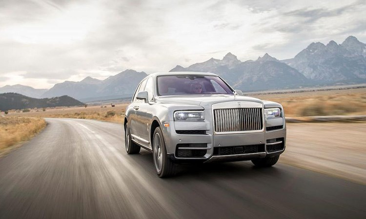Thế giới quá giàu và phát cuồng vì Rolls-Royce?