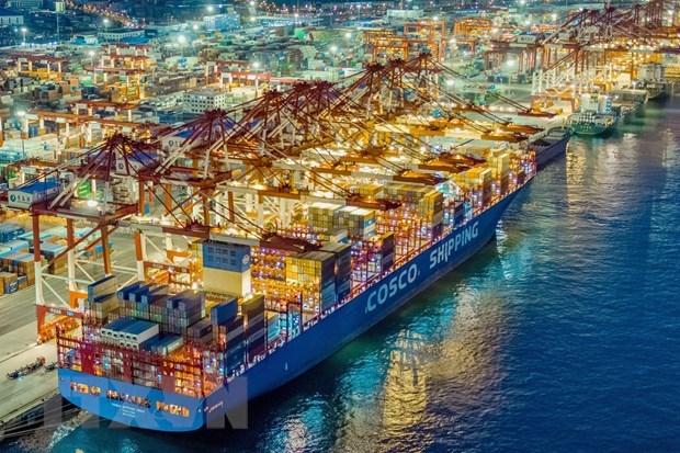 Lạc quan thận trọng với triển vọng thương mại toàn cầu năm 2021