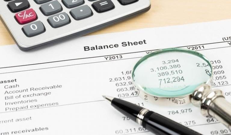 Đặc điểm chất lượng và các nhân tố ảnh hưởng tới báo cáo tài chính