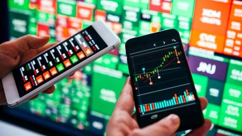 Tác động của nhân tố động lượng đến lợi suất đầu tư trên thị trường chứng khoán