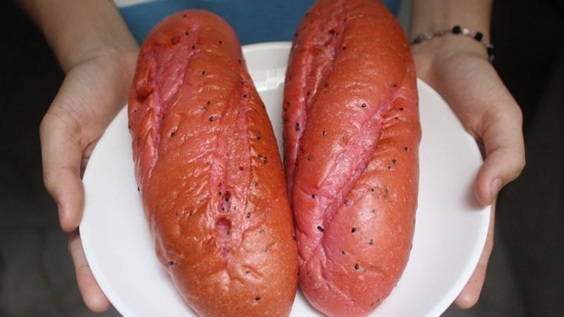 """Khi bánh mì """"giải cứu"""" thanh long"""