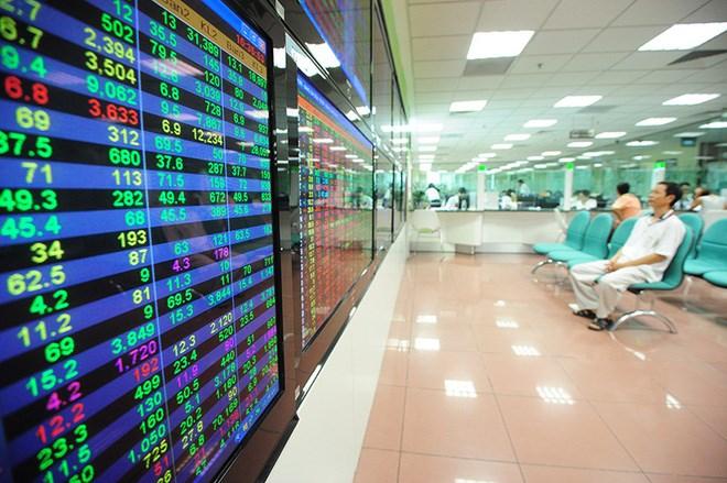Phát triển thị trường chứng khoán Việt Nam: Cần sớm ban hành Luật Chứng khoán