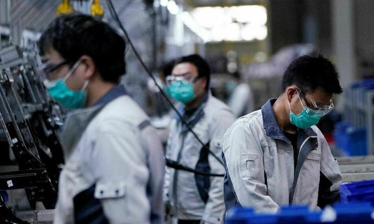 Kinh tế Trung Quốc chịu đựng được Covid-19 bao lâu?