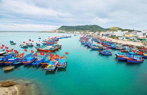 Phát triển kinh tế biển bền vững ở Việt Nam và những vấn đề đặt ra
