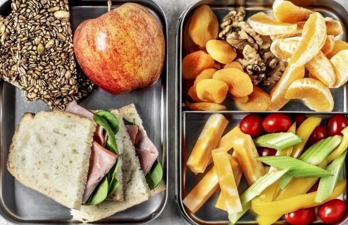 Người tập thể thao: Lựa chọn chế độ ba bữa chính hay sáu bữa ăn nhỏ một ngày?