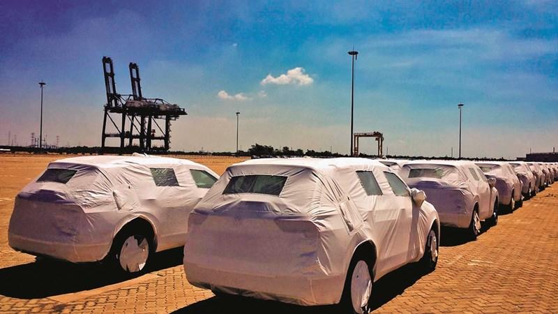 Ô tô nhập khẩu giảm mạnh do mãi lực yếu