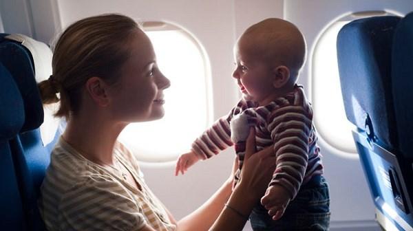 Bí quyết để đi máy bay với trẻ nhỏ