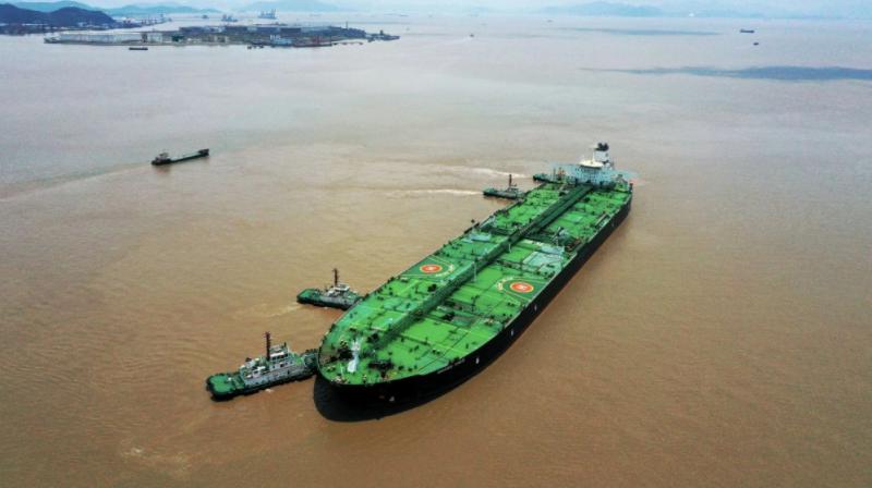 Vì sao Trung Quốc lưu trữ một kho dầu khổng lồ trên biển?