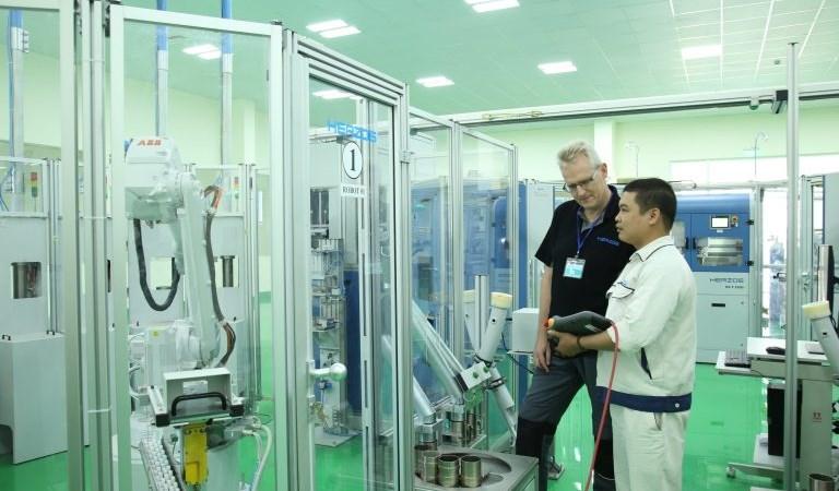 """""""Đột nhập"""" phòng phân tích thử nghiệm chất lượng hơn trăm tỷ của thép Hòa Phát"""