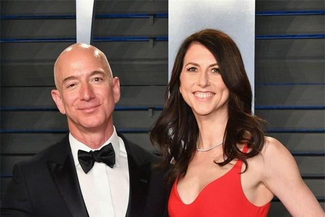 """Tài sản ông chủ Amazon """"bay hơi"""" gần 40 tỷ USD sau khi hoàn tất ly hôn"""