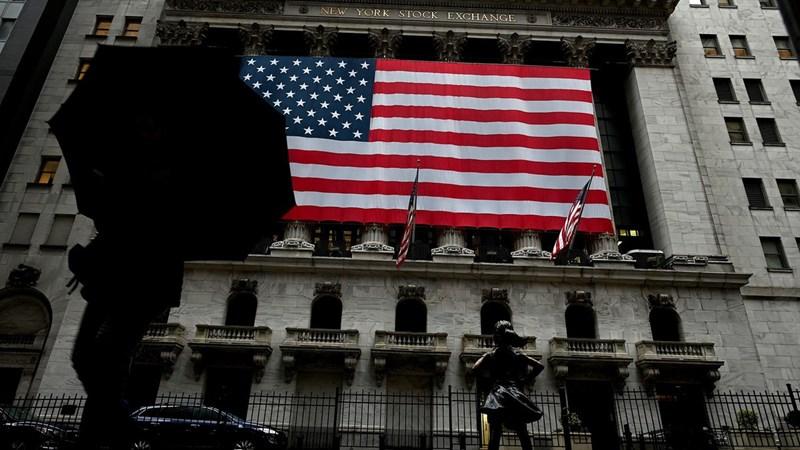 Nhà đầu tư bán mạnh cổ phiếu Mỹ