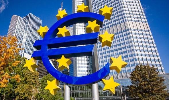 IMF ủng hộ ECB kích thích tiền tệ