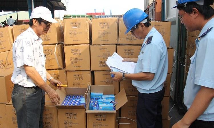Hải quan phát hiện nhiều mặt hàng Trung Quốc gắn mác Việt Nam
