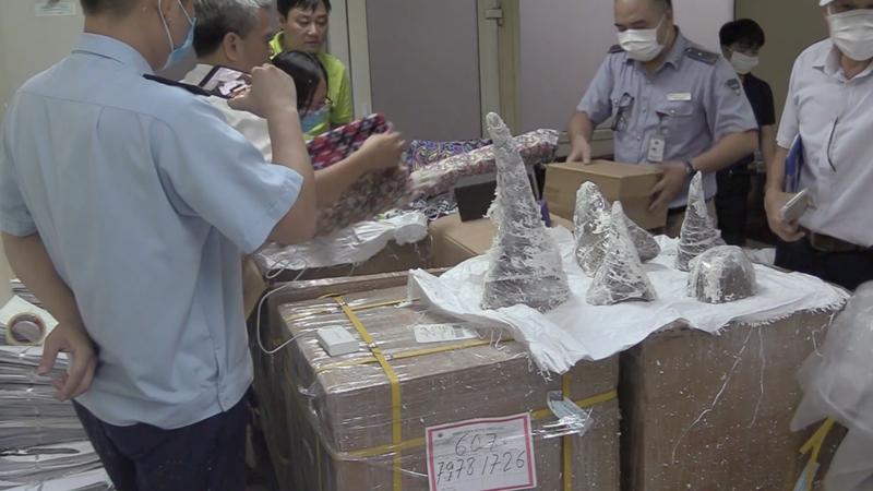 Hải quan bắt giữ hơn 125 kg sừng tê giác nhập lậu qua đường hàng không
