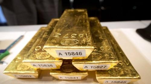 """Vàng chạm mốc 1.500 USD/oz khi nhà đầu tư tìm nơi tránh """"bão"""""""