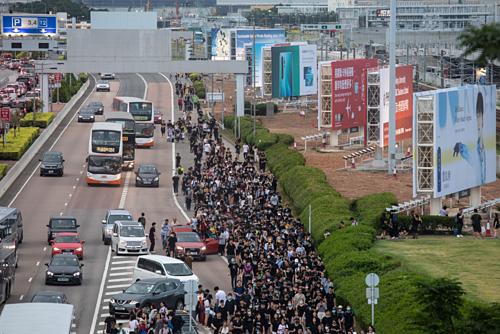 Kinh tế Hong Kong nguy cơ suy thoái vì biểu tình