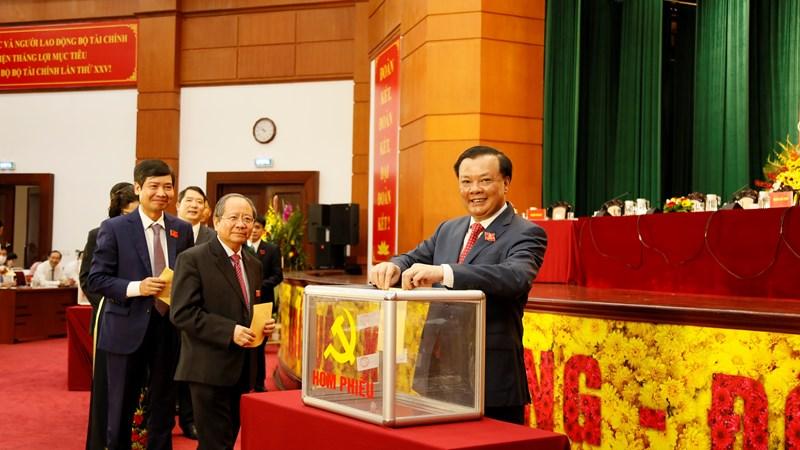 Chùm ảnh Đại hội đại biểu Đảng bộ Bộ Tài chính lần thứ XXV nhiệm kỳ 2020-2025