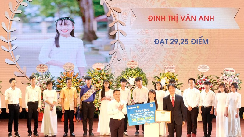 Tập đoàn Bảo Việt sát cánh cùng sinh viên ngành Tài chính – Bảo hiểm