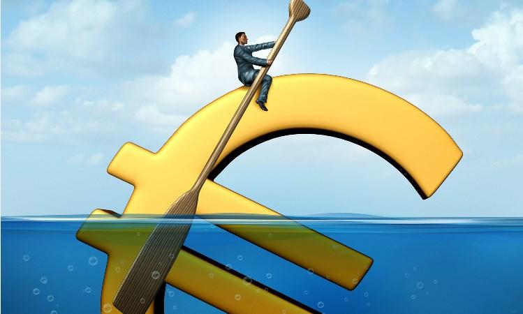 Fitch hạ mạnh dự báo tăng trưởng GDP Trung Quốc và Eurozone